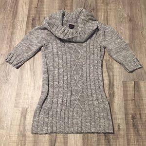 Torrid Women's Sweater. Size 2. EUC